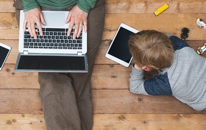 Os perigos do uso de tablets, celulares e telas por crianças