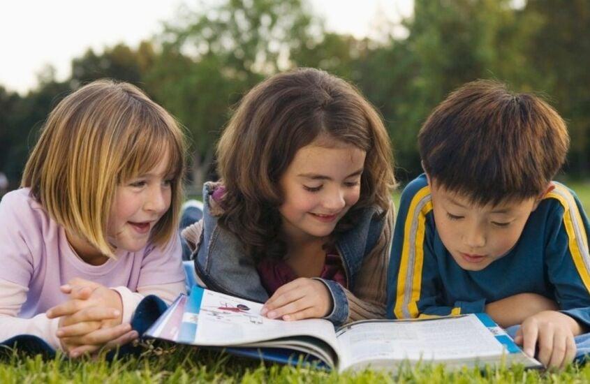 Leitura nas férias: 9 dicas de livros infantis para ler com seu filho