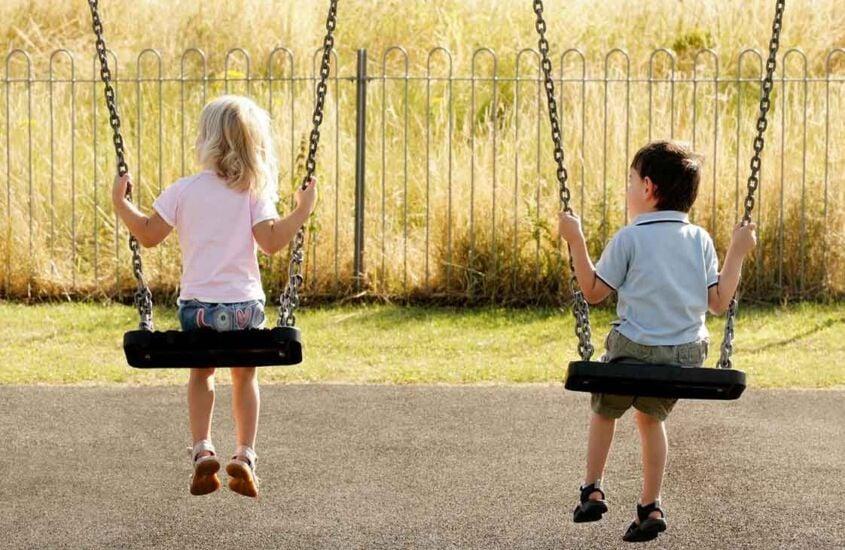 Infância: uma história de invisibilidade e abandono