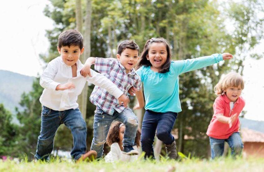 Brincadeira de criança: conheça a melhor para a idade do seu pequeno