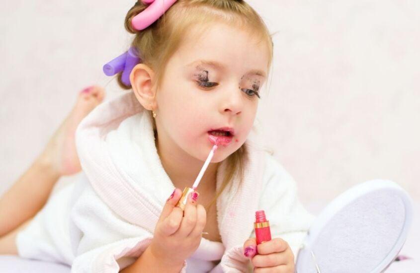 Como os padrões de beleza afetam diretamente as crianças